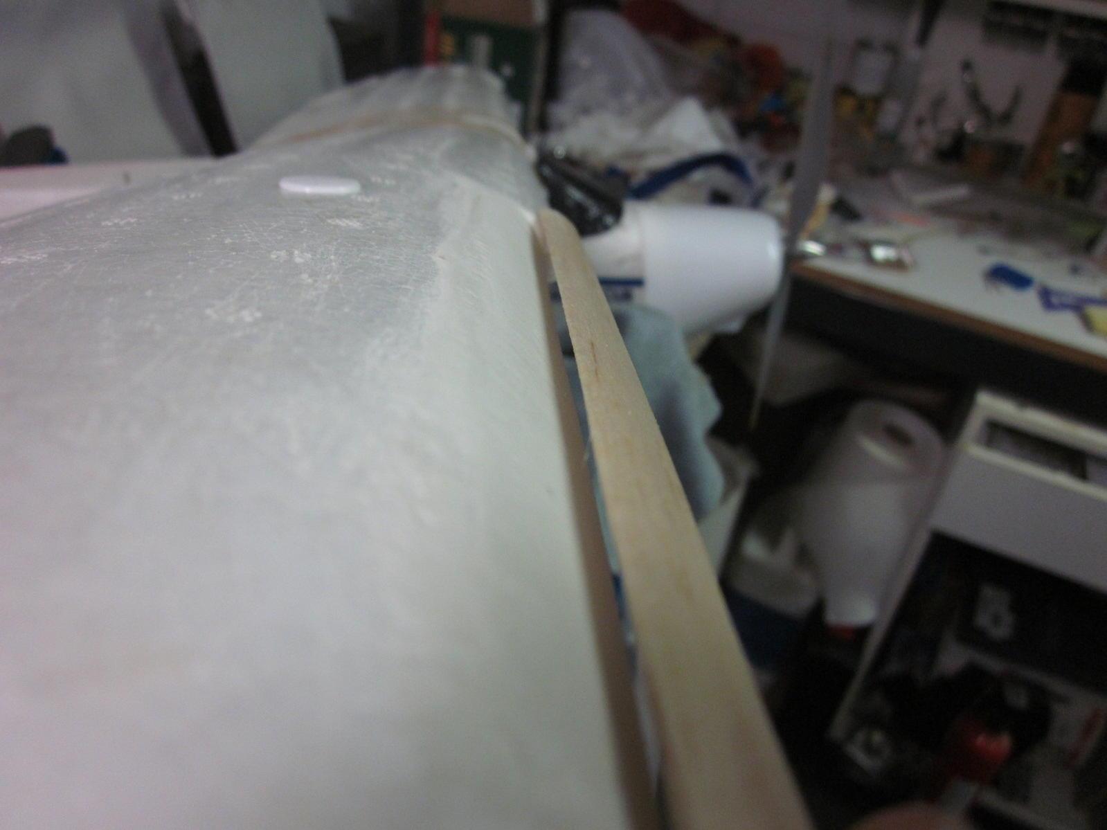 Name: Leading Edge Slat II 2012-09-24 005.jpg Views: 357 Size: 111.7 KB Description: gap on upper surface.