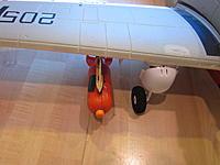 Name: Skyraider pylon 2013-08-25 005.jpg Views: 60 Size: 133.7 KB Description: Top view