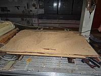 Name: DSC00122.jpg Views: 103 Size: 246.7 KB Description: A huge pile of sawdust after the hogging passes...