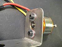 Name: 014.jpg Views: 635 Size: 72.4 KB Description: Screw it on the motor mount.