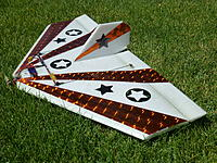 Name: P1000197.jpg Views: 182 Size: 316.7 KB Description: The Roswell needs a vertical fin and seems to like center fins better than fins on the tips of the wings.  It looks great with two centered fins.