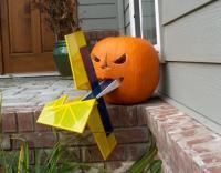 Name: plane_eating_pumpkin.jpg Views: 1044 Size: 25.0 KB Description:
