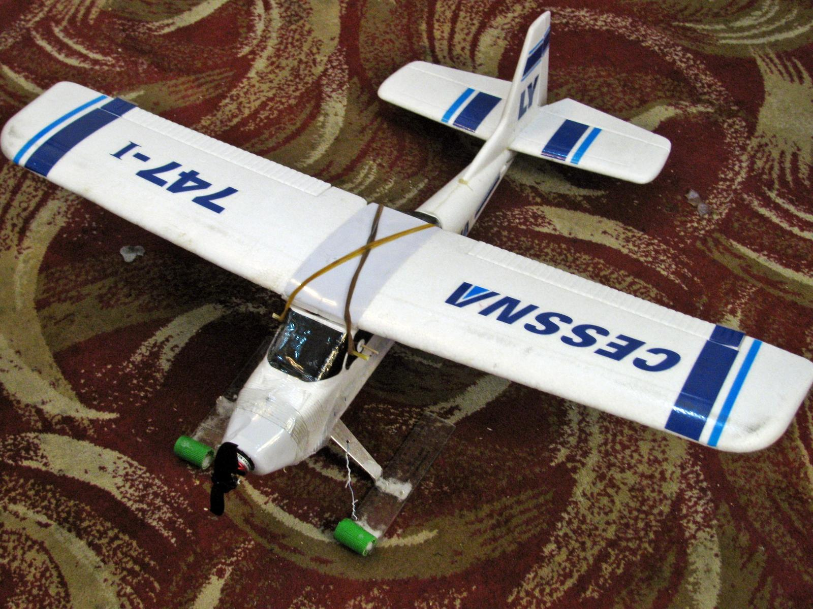 Name: Cessna Skis.jpg