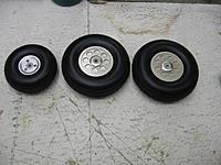 "Name: IMG_1455.jpg Views: 332 Size: 187.1 KB Description: 3"" and 4"" wheels"