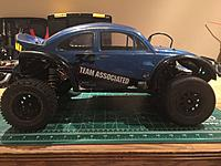 Traxxas Slash 2wd RTR with extra body wheels and parts  - RC