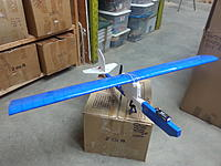 Name: 20191016_230233.jpg Views: 2 Size: 2.03 MB Description: Flite-test style wing, without dihedral, paper removed but tape on the outside to allow me to bend it without cracking.