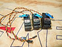 Name: 3-Hitec HS5625 Servos.jpg