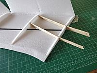 Name: IMG_20171118_134205.jpg Views: 25 Size: 120.7 KB Description: Before closing the wing, glue in the ply wing braces