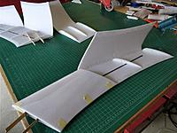 Name: IMG_20171118_135101.jpg Views: 23 Size: 103.8 KB Description: Glue all formers etc and close the wing