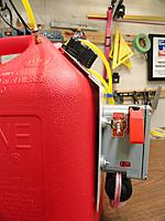 Name: Fuel tank 11 13 12 002.jpg Views: 81 Size: 130.0 KB Description: