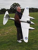 Name: image1.jpg Views: 38 Size: 122.3 KB Description: 151. Here's Laurie Baldwin from Melbourne, Australia with his Mosquito 600.