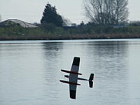 Name: 2012_04130015.jpg Views: 106 Size: 115.4 KB Description: ...perform a low level slow roll with compulsory splash.