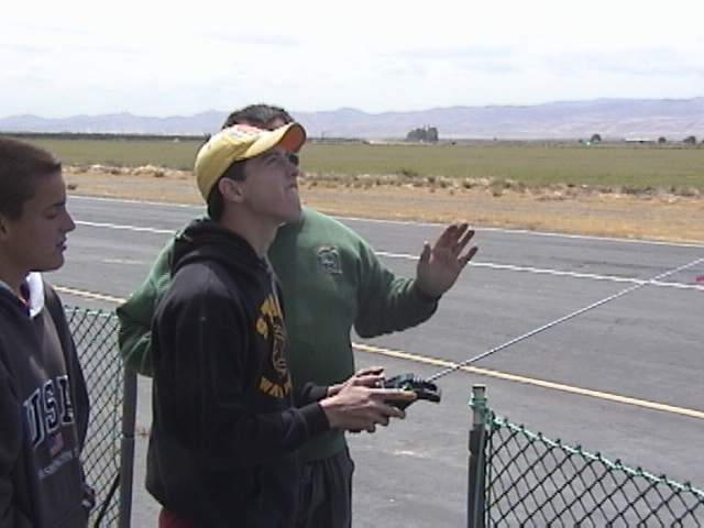 Name: instruction.jpg Views: 1,158 Size: 30.7 KB Description: Jeff instructing Andy during Andy's first flight.