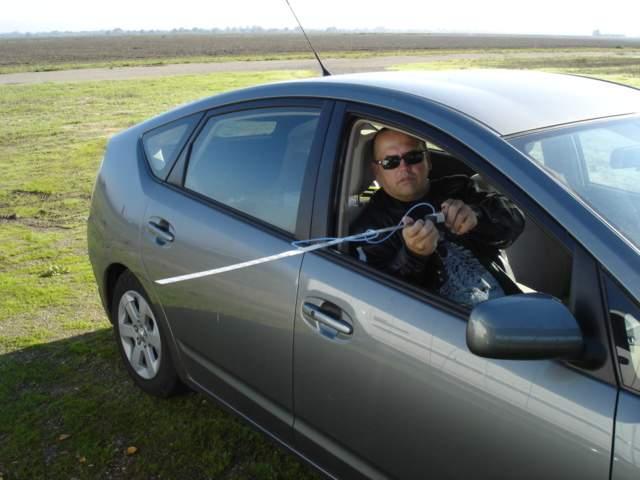Name: pitottubespeedcheck.jpg Views: 407 Size: 37.1 KB Description: Jeff Hunter holding my speed test equipment.