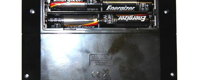 4-AA Alkaline batteries installed in the transmitter/charger