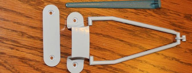 The plastic parts included the wing antenna, the antenna mast by the cockpit, the bomb rack, the tail hook in the up position and the plastic wing joiners.