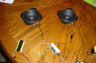 This photo shows the amplifier plugged into the two speakers and the Lipoly that powers the amplifier.
