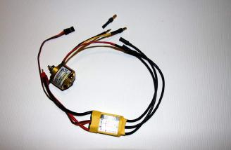 The adaptor plugs allows the motor to directly connect to the Silver Series SS-25 ESC.