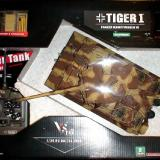 The Tiger I tank came nicely packed.