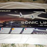 This is the packaging of the kit and the final product does look like the plane in the picture.