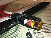 Name: Battery mount.jpg Views: 81 Size: 198.8 KB Description: Electric Flite Streak, battery installed