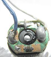 Name: 9116-Motor11.jpg Views: 41 Size: 39.0 KB Description: Motor terminal cap