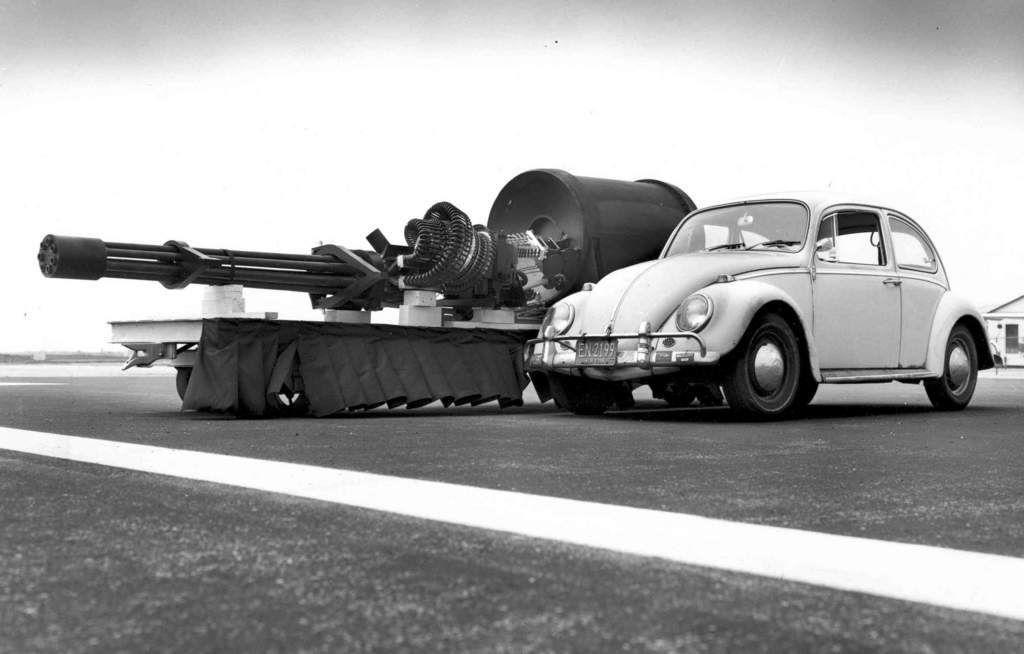 Name: GAU-8_meets_VW_Type_1.jpg