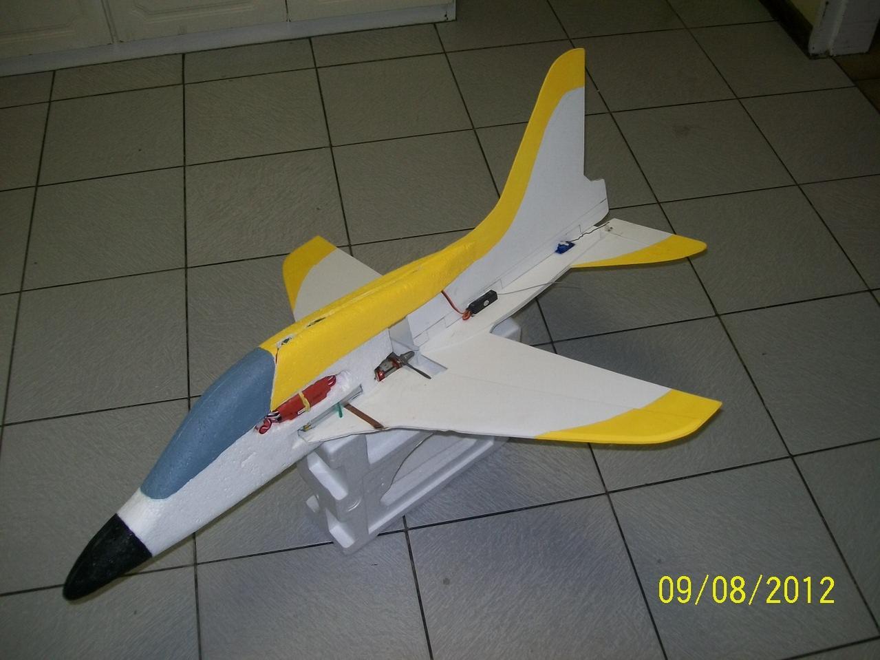Name: SJ Paint1.jpg Views: 199 Size: 111.8 KB Description: Rocket ship project