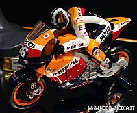 Name: kyosho-moto-race-tokyo-hobby-show-2012-3.jpg Views: 131 Size: 60.2 KB Description: