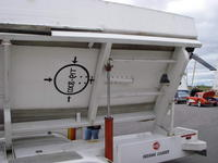 Name: tbs 008.jpg Views: 123 Size: 61.3 KB Description: Bottom of the boat with markings for the rescue crew in case the boat is upside down.