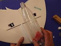 Name: zisch49.jpg Views: 106 Size: 391.6 KB Description: 0,75l PET bottle is glued on with low temperature melt glue