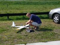 Name: f070414153554_0640.jpg Views: 219 Size: 71.0 KB Description: Frederic getting his EasyGlider ready