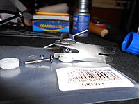 Name: DSCN1091.jpg Views: 93 Size: 160.9 KB Description: Being sure not to damage the bevel on the bottom of the gear cap.