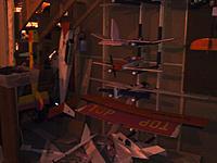 Name: 0503132034.jpg Views: 90 Size: 119.3 KB Description: plane rack.