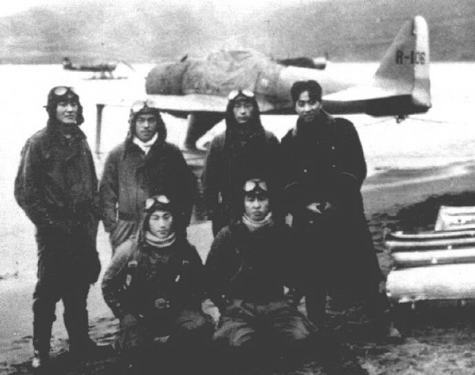 Name: a6m2-n_Rufe_pilots_Toko-Ku_Attu_194.jpg Views: 279 Size: 56.3 KB Description: Mitsubishi/Nakajima A6M2-N Rufe