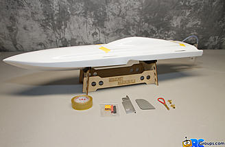 The Midnight Gambler 2.0 package includes a boat stand, hatch tape, turn rudder, and extra main rudder