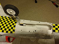 Closeup of the Avanti S nose gear.