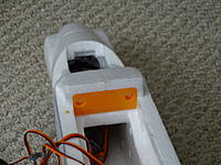 Name: DSC00984.jpg Views: 113 Size: 588.7 KB Description: The front wing mount and battery bay.