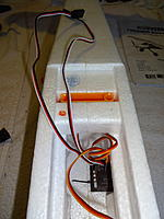 Name: DSC01143.jpg Views: 75 Size: 332.1 KB Description: The 12 inch servo leads are plenty long for removing and installing the wing now without extensions. Don't put the Lemon Stab on the slanted portion of the Rx bay floor. It must be level and not on the sidewall.