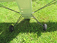 Name: IMG_0368.jpg Views: 171 Size: 1.31 MB Description: Landing gear  made from 4mm diameter steel rod and 6/4mm carbon tubes.