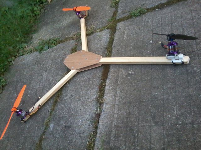 Attachment browser: 2012-09-01 Tricopter Frame.jpg by Banjo5 - RC Groups