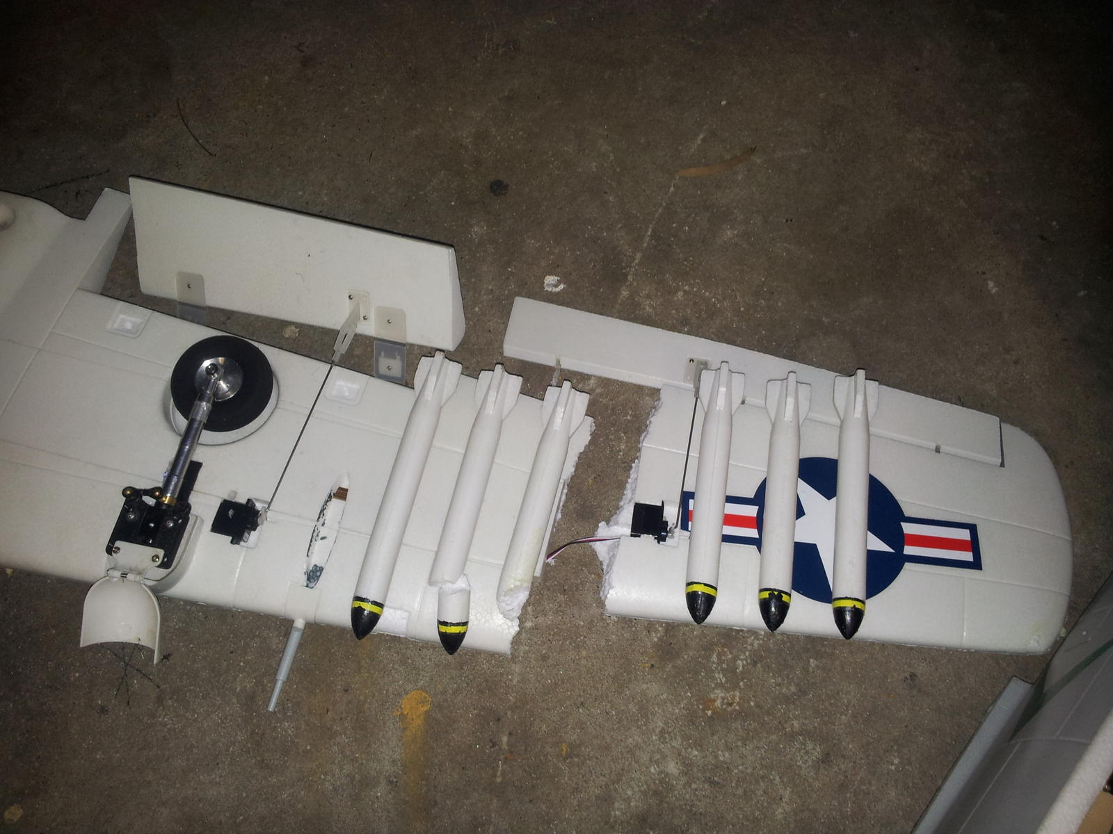 Name: Broken wing.jpg Views: 52 Size: 197.9 KB Description: