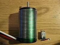 Name: IMG_6043.jpg Views: 95 Size: 91.1 KB Description: Castle 1717 vs micro t motor