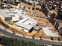 Name: IMG_0036.jpg Views: 48 Size: 141.0 KB Description: School - and more build in.