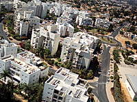 Name: IMG_0037.jpg Views: 54 Size: 142.9 KB Description: left Bottom   building balcony into the trees