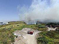 Name: FILE6448.jpg Views: 73 Size: 237.9 KB Description: fire truck below