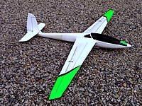 Name: Fox-StingRay new4.jpg Views: 150 Size: 144.8 KB Description: Fox/StingRay modification.  It's a great flying foamy, by the way.   AUW is 30oz.