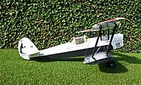 Side-view also provides sufficient contrast whatever visibility of light conditions and background. With this layout and paint, the Stampe SV4b is seriously different from the more common two-seat configuration.