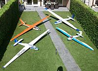 Name: 100_5194c.jpg Views: 27 Size: 656.7 KB Description: Helicopter view of my Sabena fleet with wing-span ranging between 3m70 and 5m33, lengths between 1m60 and 2m75, weights between 7kg and 16kg.