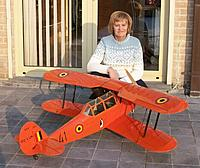 Name: SV12.jpg Views: 116 Size: 180.7 KB Description: Through previous pictures it was difficult to guess the size of the model, me kneeling besides it in a low winter sun 2011-2012 puts it in perspective.